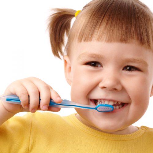 jak myć zęby niemowlakowi