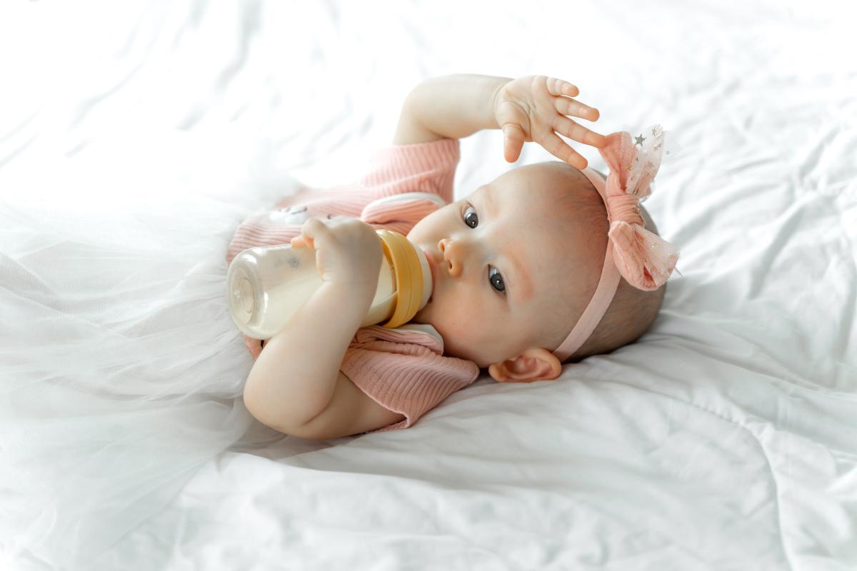 w czym przechowywać mleko dla dziecka