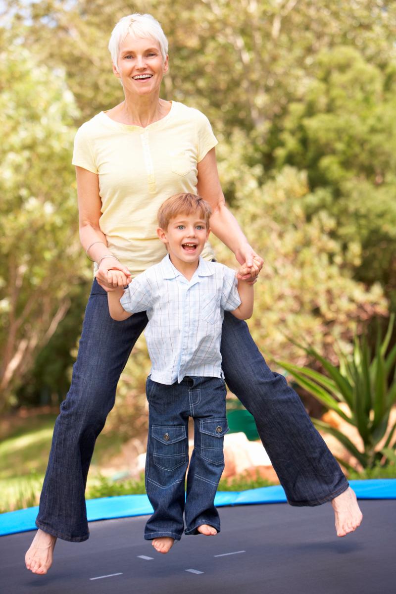 jak złożyć trampolinę - poradnik