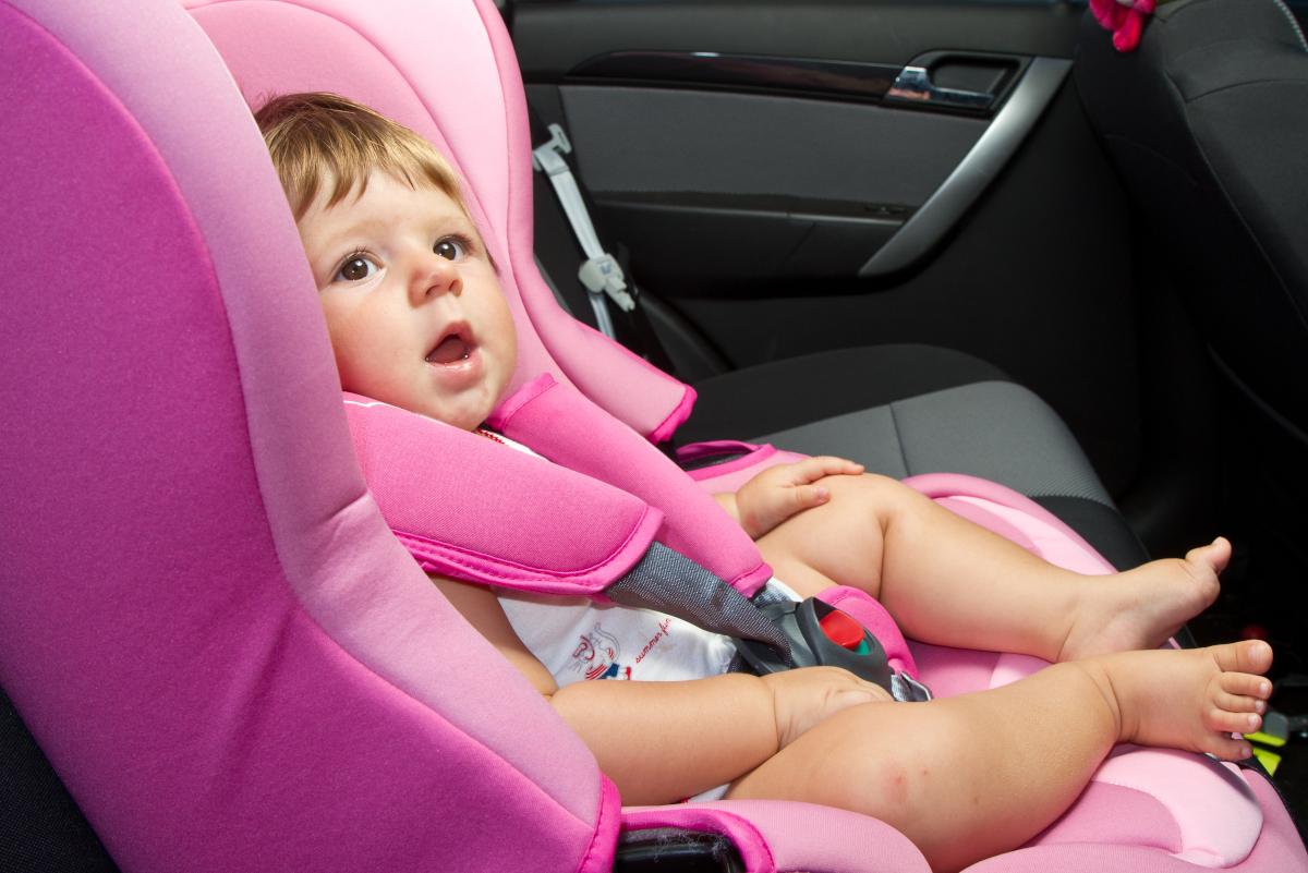 czyszczenie fotelika samochodowego
